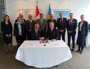 [10] MoU signing between UBC & KI (30th April 2014)